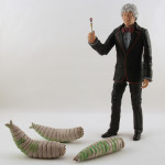 Figure Review: Third Doctor and Giant Maggots